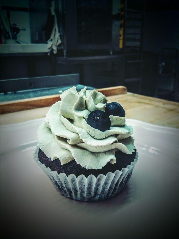 Cupcake with matcha cream