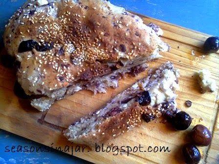Seasons in a jar: Ψωμί με ελιές και φέτα