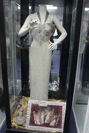 I Went To The Selena Museum And It's Truly Majestic