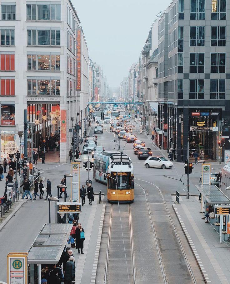 berlin. busy streets, christmas shopping.    #Regram via @uwa2000