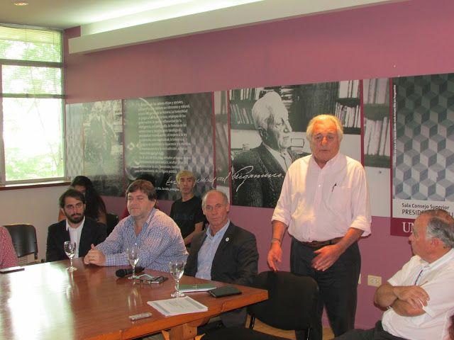 Se presentó Agroemprende 2017 en Pergamino   Con la finalidad de incentivar el desarrollo en el interior el Ministerio de Agroindustria de la Nación en conjunto con el Ministerio de Producción presentó en la localidad bonaerense la convocatoria del programa para proyectos en la provincia. A partir de marzo comenzarán las capacitaciones.  En el día de hoy el subsecretario de Desarrollo Territorial de Agroindustria Felipe Crespo y Esteban Campero subsecretario de Emprendedores de Producción; y…