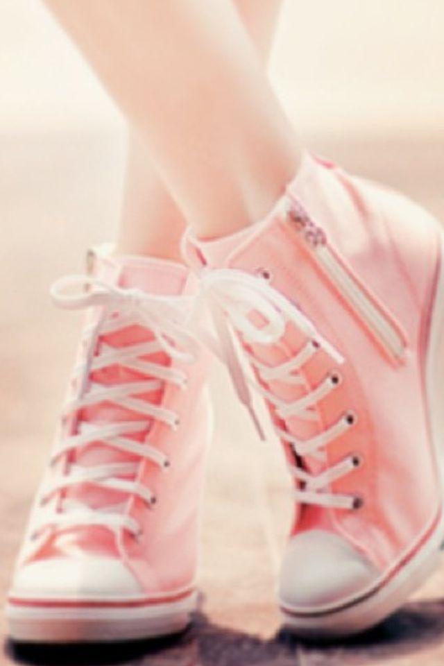 aa788e658976c8 Pink high heeled converse
