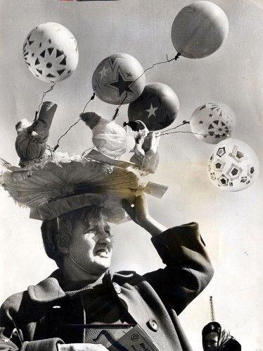 concurso de sombreros de Pascua de Belle Vue en Manchester, Inglaterra, 1969. (© REX/Barry Greenwood / Daily Mail)