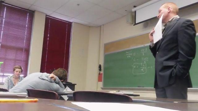 Students Play Brilliant Pregnancy Prank On College Professor