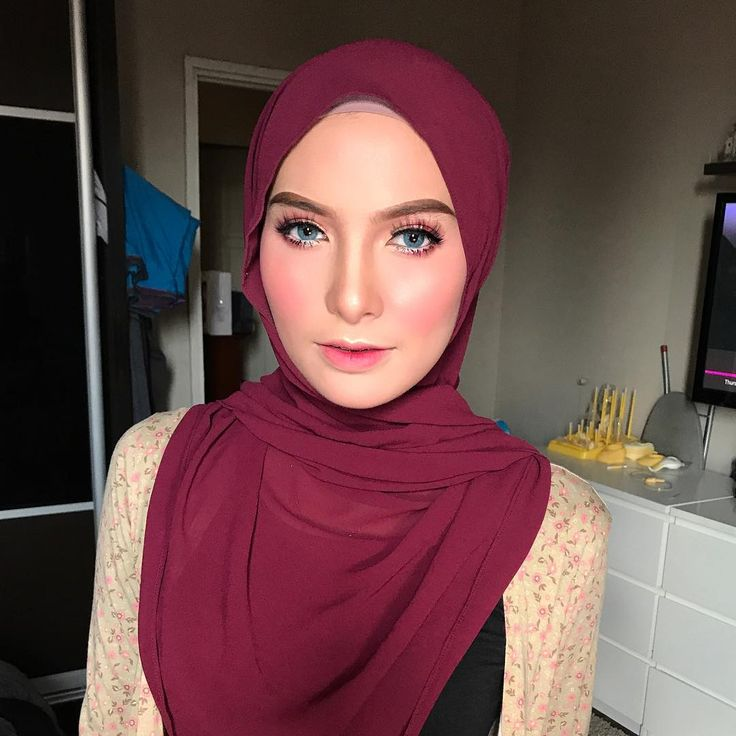 ALYA ZIRA kesayangan! Dapat lepas rinduuuu. Makeup at home hari ni sambil lawat baby kannn! Tqqq yayang. N tq @osraexclusive for having me. :) osra requested for sweet makeup today. ;) follow @osraexclusive for their clothing updates! #malaywedding #malayweddingguide #pengantin #kahwin #nikah #sanding #tunang #makeupartist #makeupartists #makeupartistmalaysia #muamalaysia #makeupartistkl #makeupartistselangor #muakl #muaselangor #bridalmakeup #bridalsession #bridal #makeup #makeups #love…