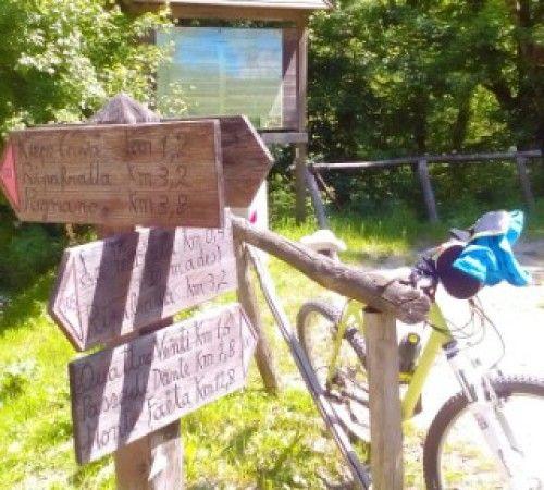 Vicino ai sentieri dei Monti Pisani e alla ciclabile per Lucca