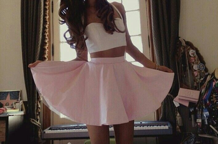 Ariana Grande Instagram Outfits | Kala's Pins | Pinterest ...