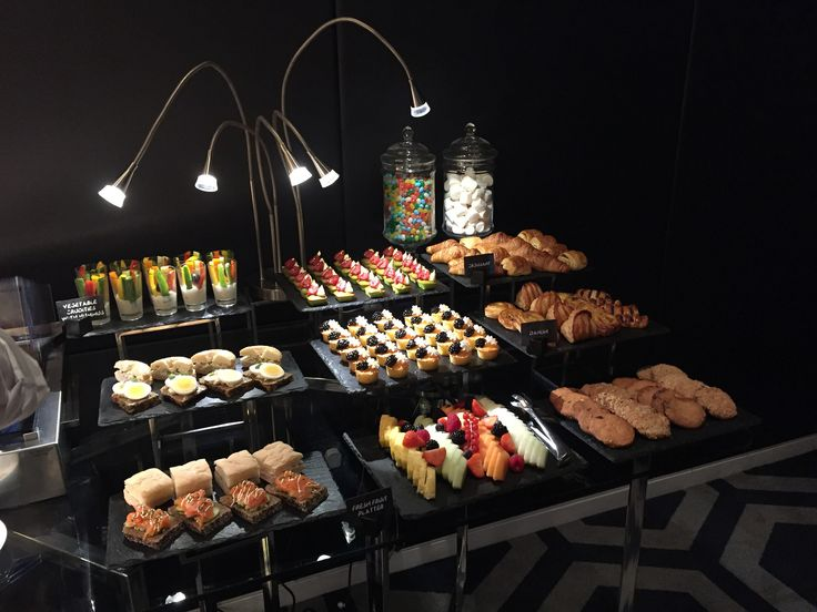 Best 25 office catering ideas on pinterest for Conference room setup ideas