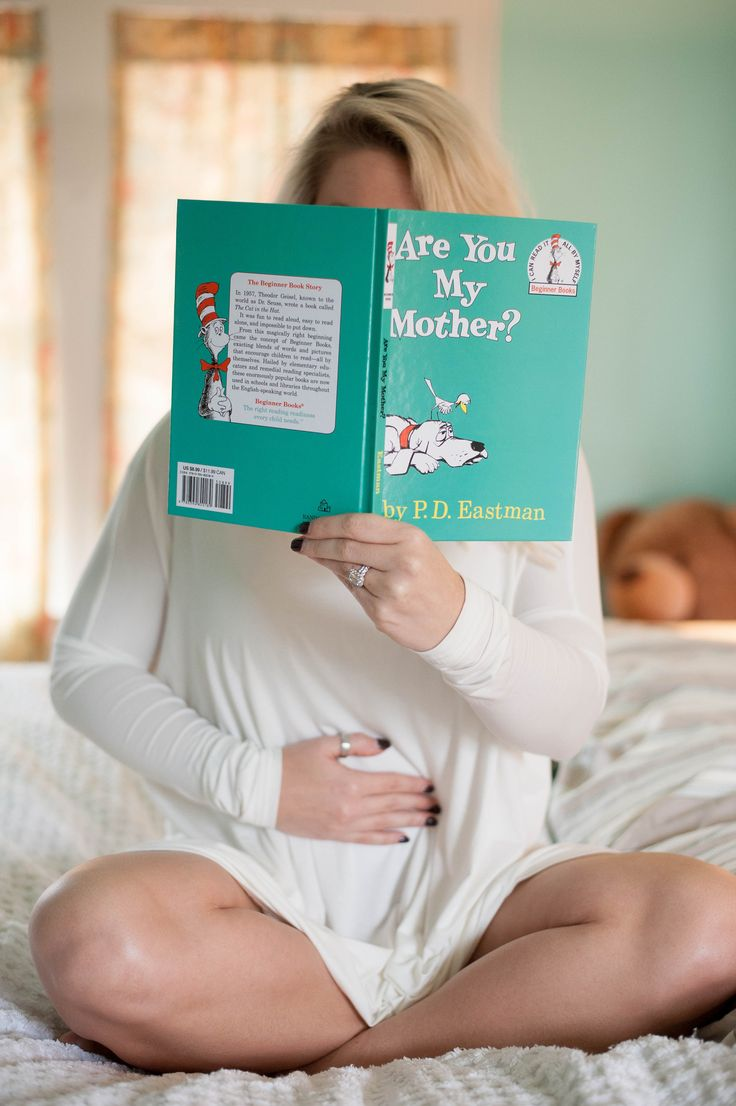 pregnancy announcement, book, Dr. Suess, mom to be