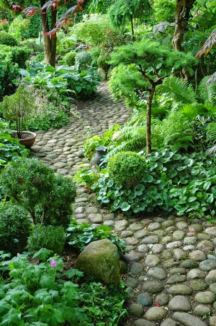 Natural, green encroaching from All Things Blog: Pathway ideas for Gadens and yards
