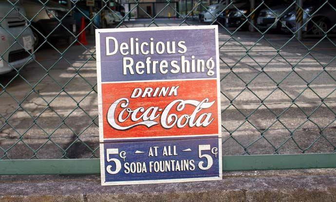 ブリキ看板 CocaCola 5セントでおいしい