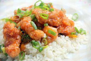 Nummer 64, Ga Xao Thom, oftewel kip in zoetzure saus bestellen wij steevast bij onze Vietnamese rijsttafel. Maar je kunt het ook heel makkelijk zelf maken!