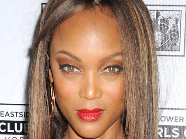 Wereldberoemd topmodel toont foto zonder make-up - Gazet van Antwerpen: http://www.gva.be/cnt/dmf20150618_01737000/wereldberoemd-topmodel-toont-foto-zonder-make-up