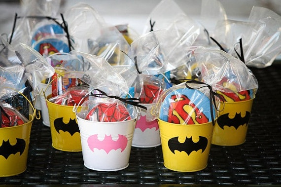 Super Hero Party Party Goods| http://partyaccessories477.blogspot.com