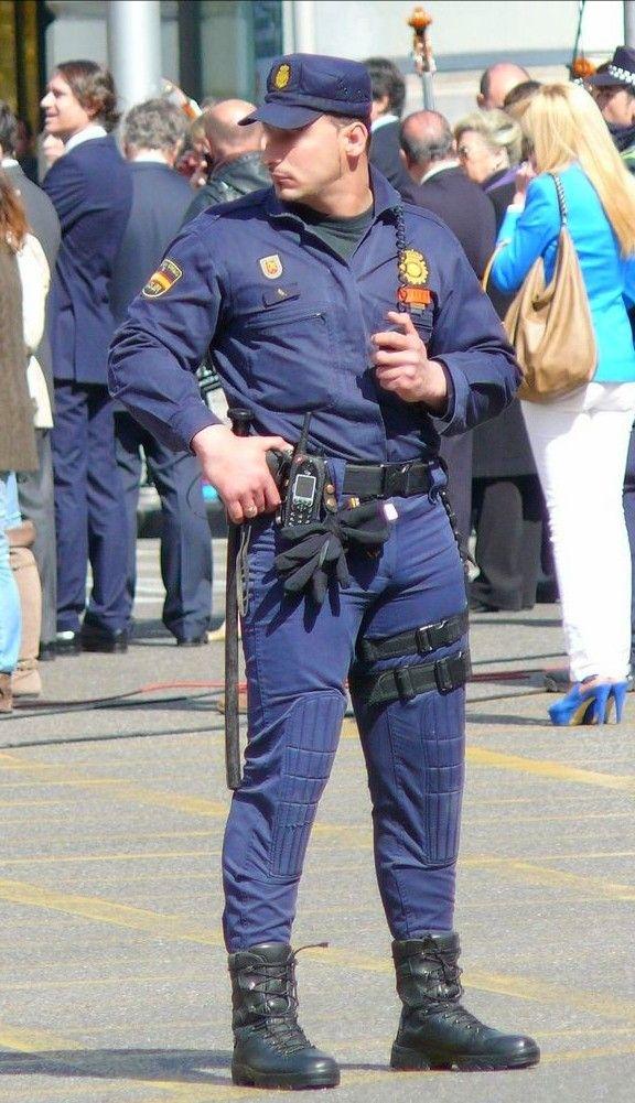 Police 33 gay
