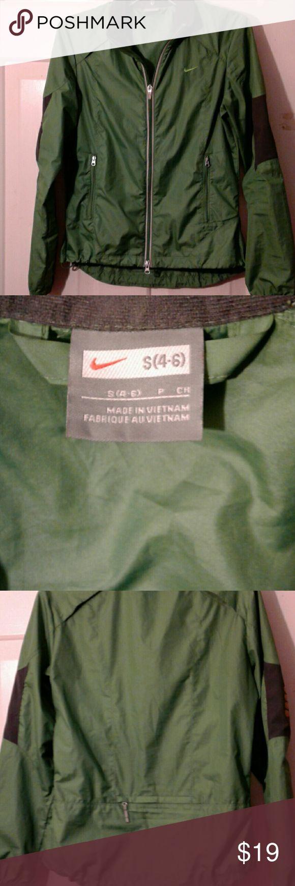 Women's Nike Windbreaker Jacket NWOT!! SZ. 4-6. Small. Nike Jackets & Coats