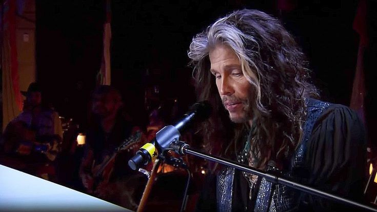 "Steven Tyler Puts A Laid Back Twist To ""Dream On"" And It's Absolute Perfection 