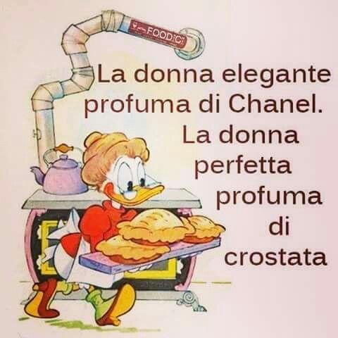 E di vaniglia, cannella, chiodi di garofano, zenzero, cioccolato.....
