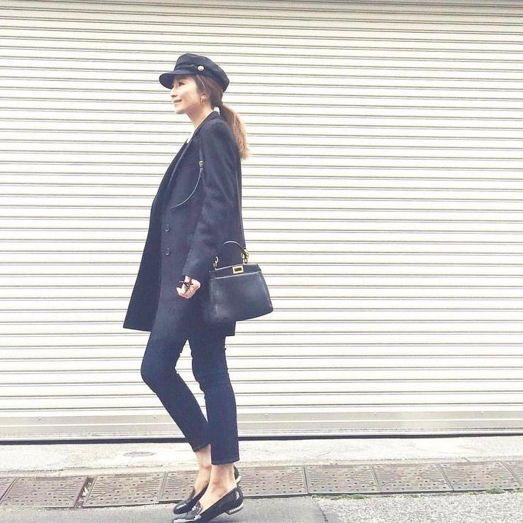 .  雨の日にはパテントシューズ シンプルなスタイルにもアクセサリーをして豪華に  Photo by @honey_cona   Top... #uniqlo  Bottom... #azulbymoussy  Bag... #fendi  Shoes... #chanel   MINE公式アプリではファッションを中心とした動画を毎日更新中 プロフィールリンクからDLできます   ハッシュタグ#mineby3mootdを付けたコーディネートを募集中紹介させていただくことも  #mineby3mootd #MINEBY3M #ootd #outfit #fashion #coordinate  #instafashion #beaustagrammer #fashionista #outfit #igfashion #カジュアルコーデ #コーディネート探検隊 #お洒落さんと繋がりたい