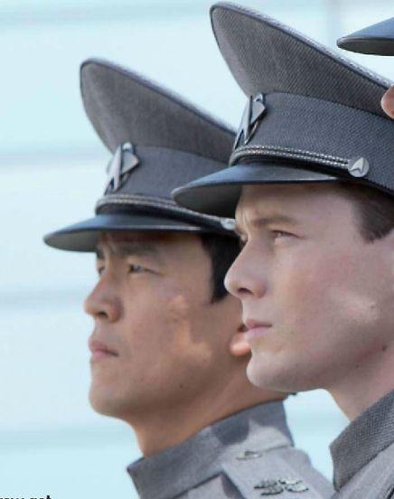 Sulu (John Cho) and Chekov (Anton Yelchin), STXII