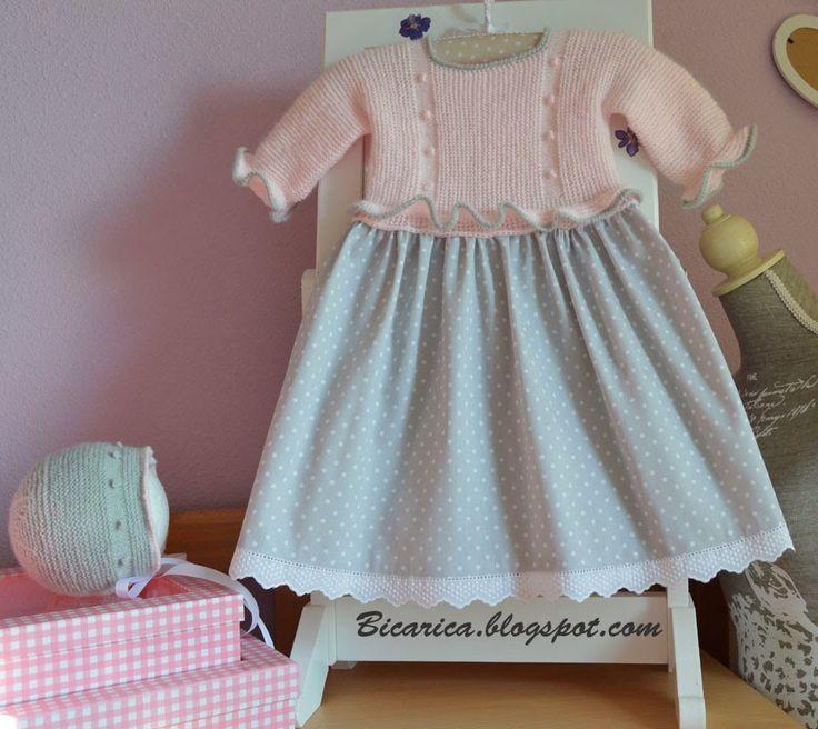 Vestido hecho a mano en rosa y gris.|Bicarica|Ropita artesanal para bebés y niños/Ropa artesanal para bebé hecha en casa/Handmade baby clothes