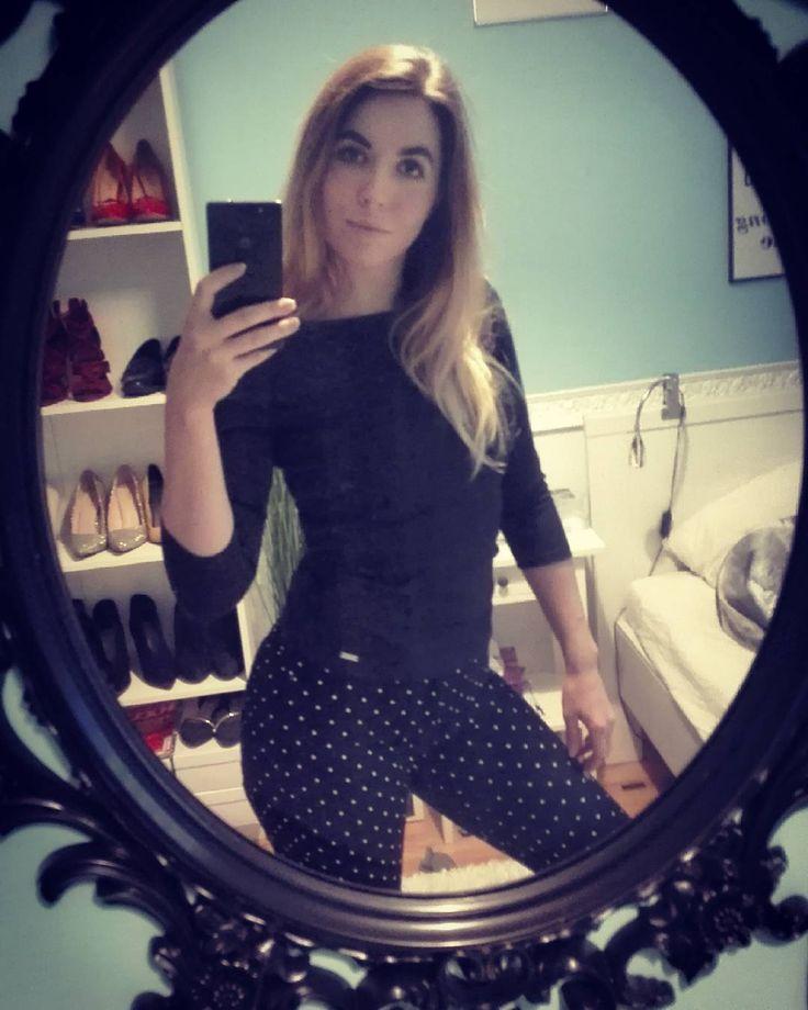 #picoftheday #allblack #blackgirl #blondegirl #curvygirl #curves #polskadziewczyna #polishgirl #rainyday #friday #piatek #instafriend #instalike #instanow #workafterwork  #longhair #onlygoodvibes #black #inblack #fashionstyle #fashionista #fashionaddict #instafashion #fashiontoday
