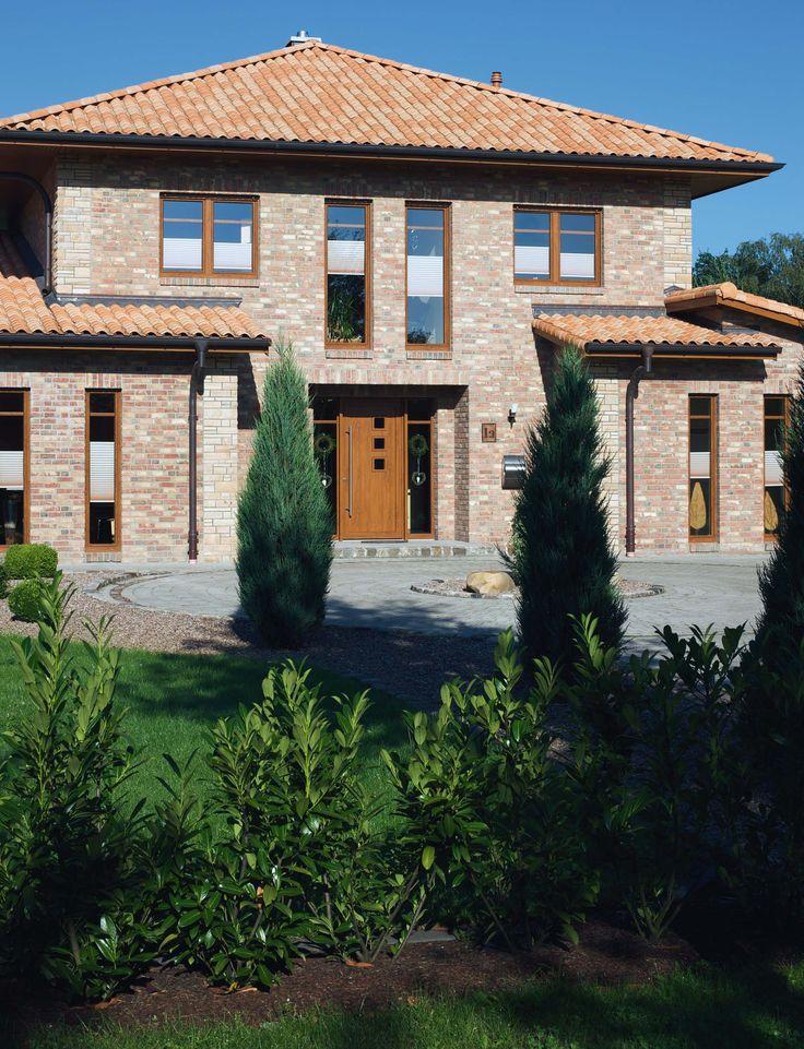 GEALAN wood decor windows #largewindows #beautifulhouse #mediterraneancharm
