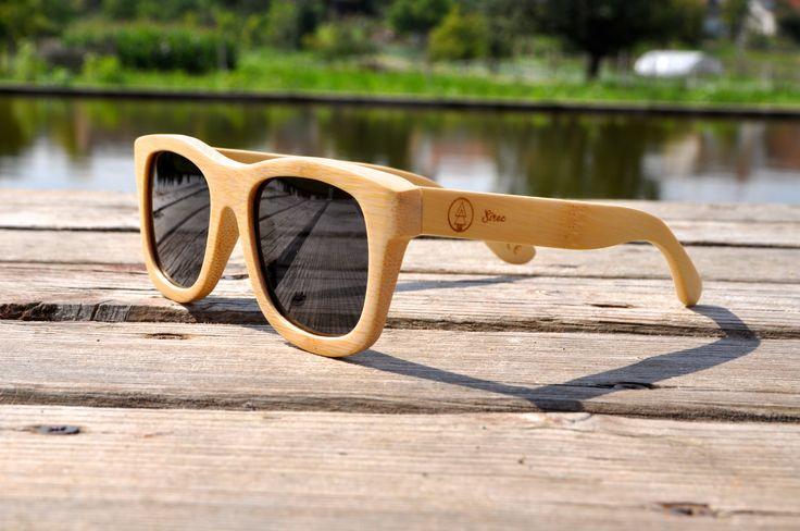 Dřevěné sluneční brýle Sirec - Magnify, k dostání na: http://sirec.cz/product/drevene-bryle-magnify