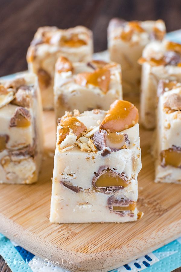 Caramel Peanut Butter Pretzel Fudge - creamy fudge loaded with pretzels and candy bars. Great no bake dessert recipe that is ready in minutes!