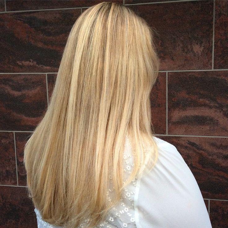 25+ parasta ideaa Pinterestissä: Vaaleat hiukset   Vaaleat hiukset,Vaaleat hiusraidat ja Blondit