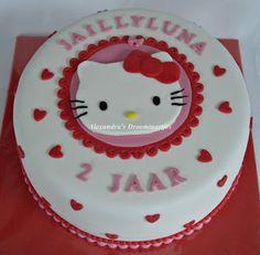 Hello kitty taart - let op de hartjes...