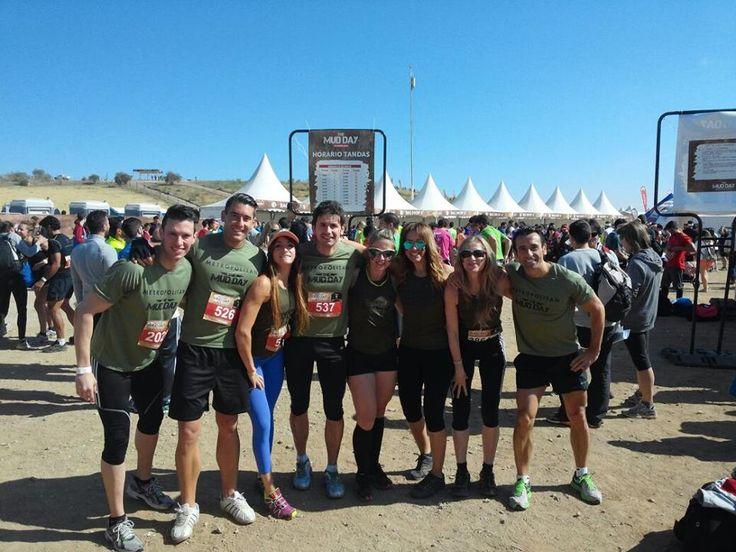 Socios de Metropolitan Abascal en la competición The Mud Day.