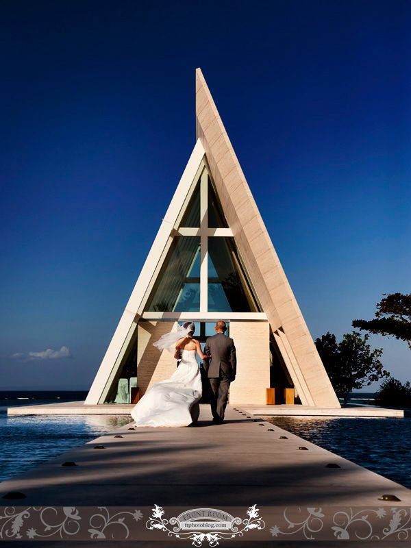 Father and daughter at the Infinity Chapel, Bali. Photo by: Front Room Photography