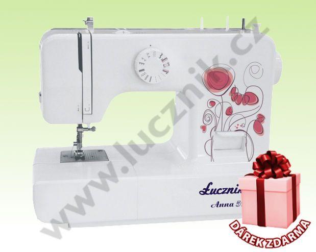 Šicí stroj Lucznik Anna, 2590 Kč, je vhodný pro jednoduché občasné šití v domácnosti. Volné rameno, kovová kostra, 15 šicích programů a jako dárek patka pro slepý steh zdarma.