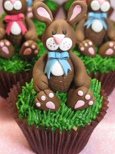 Coniglietto e cupcake al cioccolato - FOTO