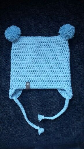Crochet babyhat with two pom-poms :)
