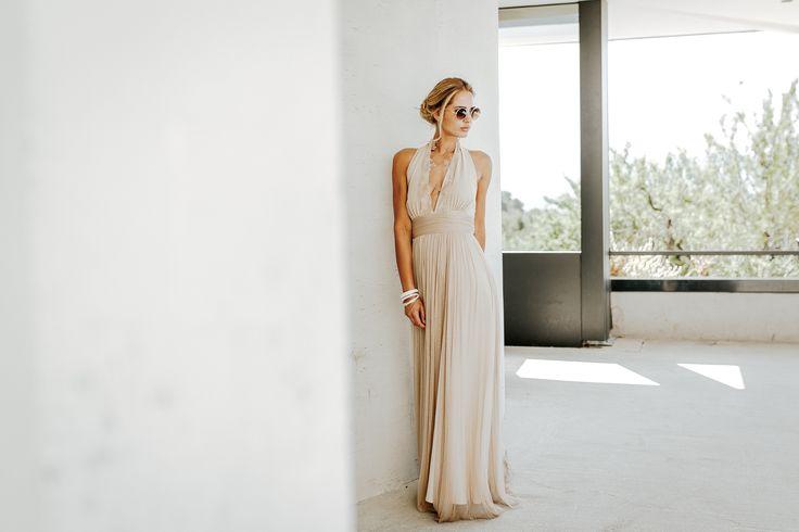 Modèle Ayla - 20 robes de mariée couleur nude 2017 pour une touche naturelle.