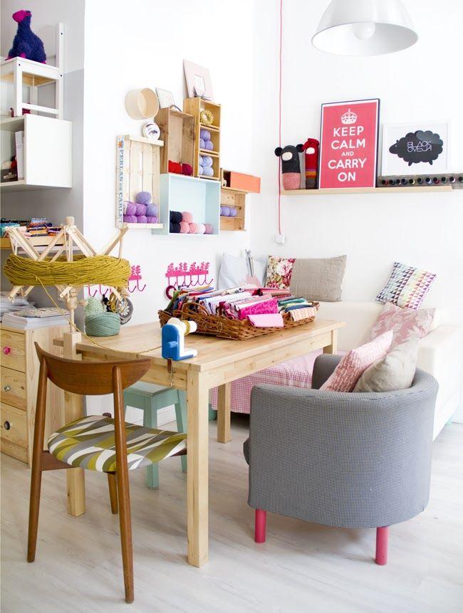 Love the pink legs on the chair. SENKIU 2012 / GÜELCOM 2013!