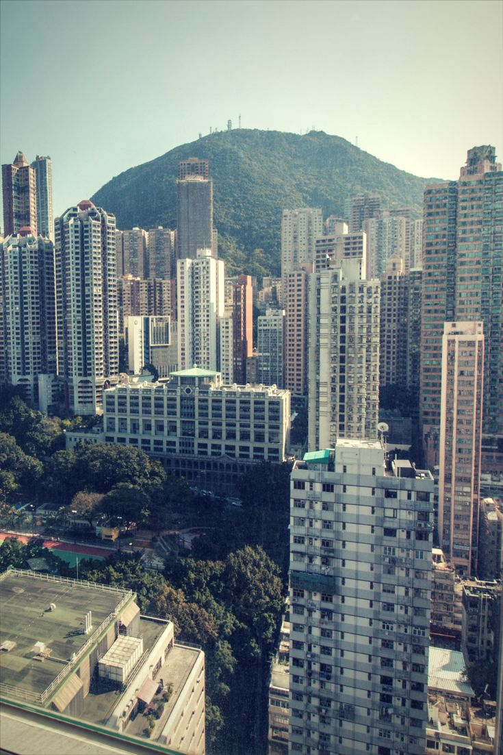 Hong Kong is anautonomous territoryon thePearl River DeltaofChina. Plan your itinerary with our tips, add Hong Kong to your bucket list. Enjoy summer and your journey around the globe!