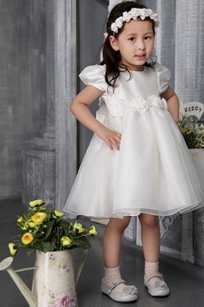 A-Line Tulle Romantic Flower Girl Dresses wr1023 - http://www.weddingrobe.co.uk/a-line-tulle-romantic-flower-girl-dresses-wr1023.html - NECKLINE: Strapless. FABRIC: Tulle. SLEEVE: Short Sleeves. COLOR: Ivory. SILHOUETTE: A-Line. - 49.59