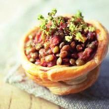 Sfogliatine di lenticchie umbre con pomodoro e origano