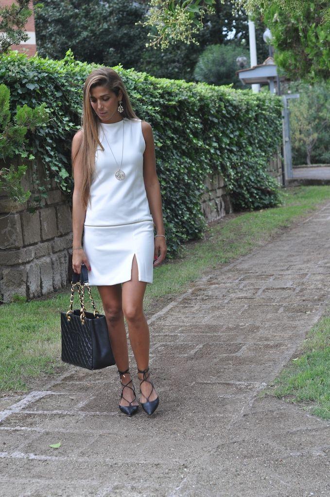 Come abbinare un abito bianco evento