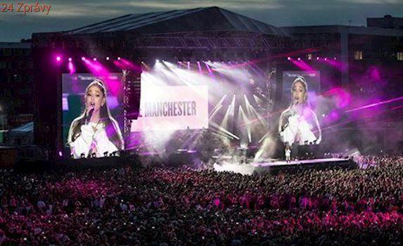 Koncert Ariany Grandeové v Manchesteru: zněly písně i jednota proti teroristům