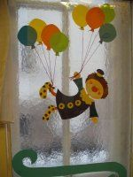 Bohócok ablakon 006.jpg