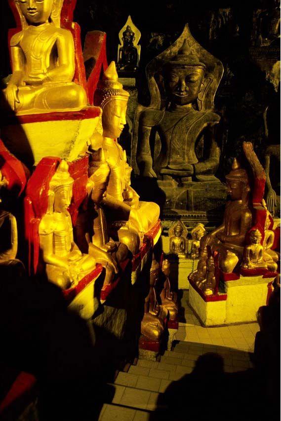 La grotta di Pindaya: parte degli 8 mila buddha