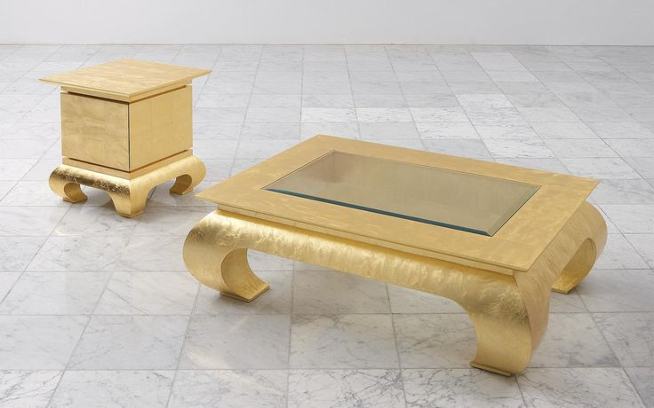 The coffee table Mai Tai features an Asian-inspired design.