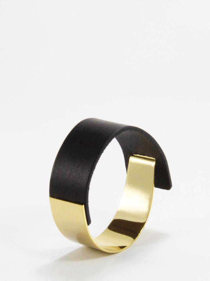 BENATRA - Posh Leather Bracelet Black Content:  Italian Genuine Leather & Brass
