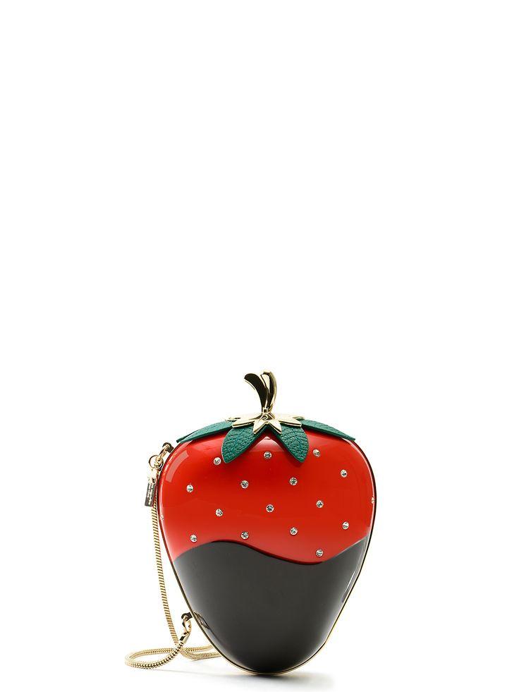 creme de la creme dipped strawberry clutch
