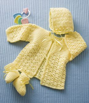 Pretty baby set - free crochet pattern