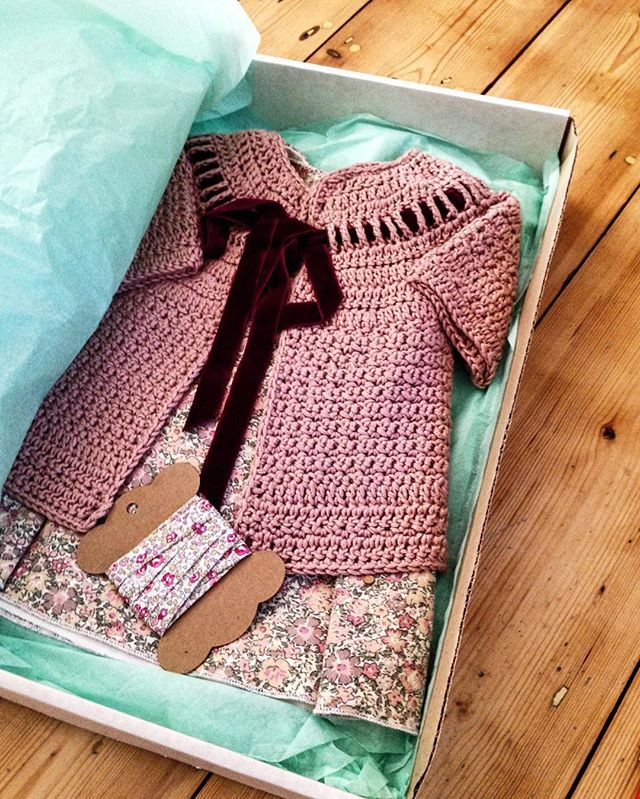 Outfit made for my niece a while ago. I put in some Liberty bias binding as an alternative to the velvet ribbon which doesn't wash well. Love Alicia paulsons crochet pattern. #crochet #aliciapaulson #citronille #sewing #libertyprint #liberty #vvrouleaux #sirdarbabybamboo #libertybiasbinding